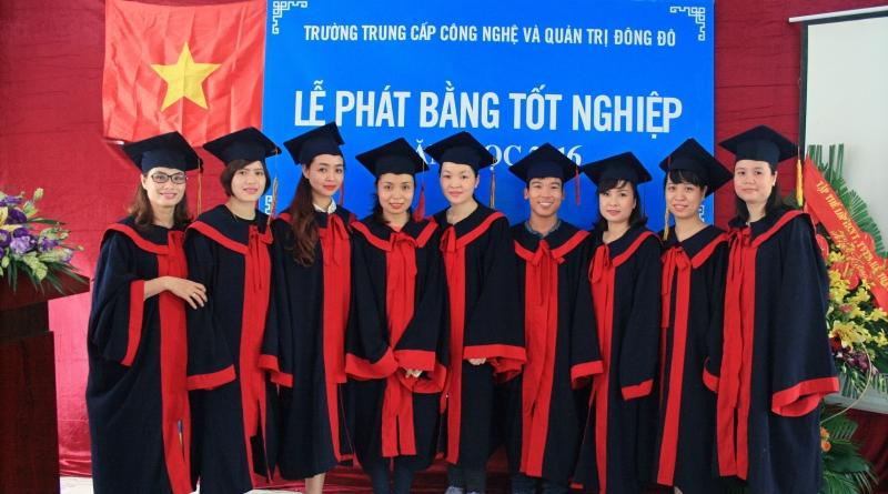 lễ tốt nghiệp đợt 2 năm 2016 trường Trung cấp Đông Đô