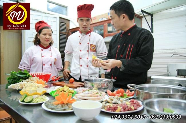 Học nấu ăn mở quán: khóa học lẩu nướng - Học Trung cấp