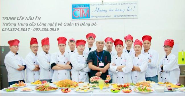 ảnh thực tế sinh viên trung cấp nấu ăn 12 trường Trung cấp Công nghệ và Quản trị Đông Đô